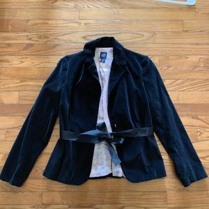 GAP black velvet jacket